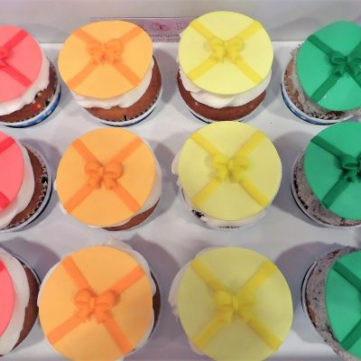 gift cupcakes