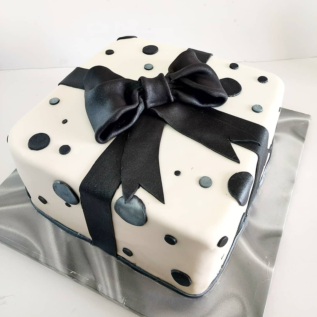 Amazing Classy Bow Cake Kosher Cakery Kosher Cakes Gift Delivery In Personalised Birthday Cards Arneslily Jamesorg